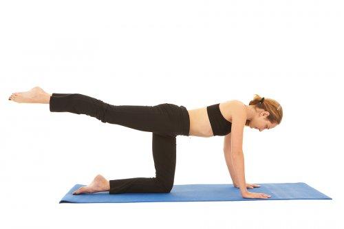 woman training core strength